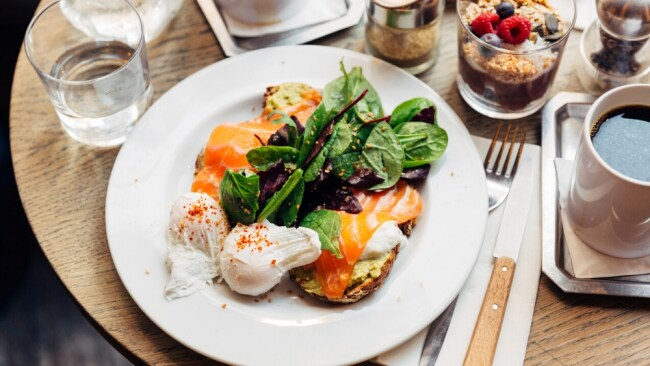 5 healthiest brunch orders to maintain weight, according to a dietitian